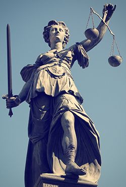 Depositphotos_40445193_Lady-justice-in-Frankfurt-original-250x-vh
